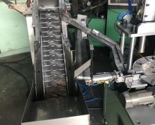 压铸机退料铰孔一体机
